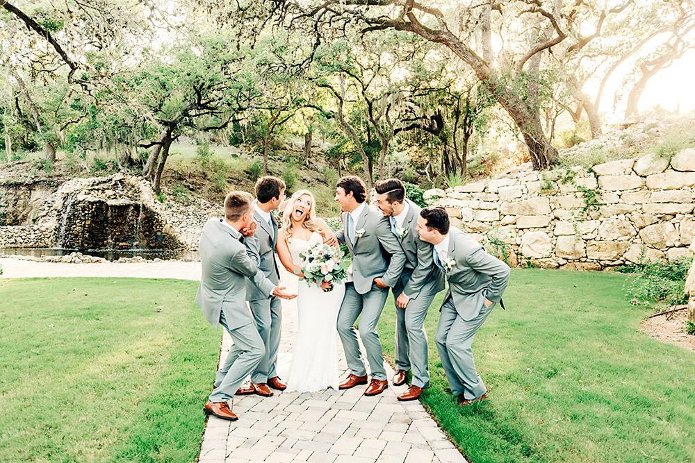 bride and groomsmen in san antonio texas