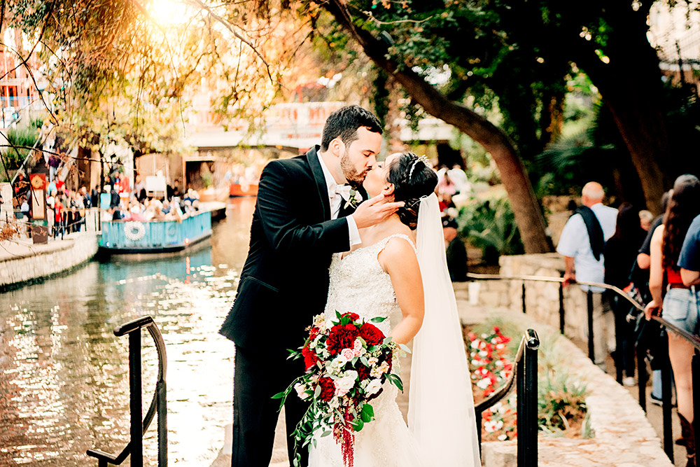 bride and groom kissing in san antonio texas